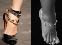 На якій нозі носять браслет?