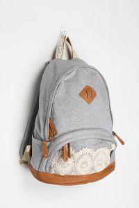покупку аксессуара.  Современные девушки выбирают для себя не только традиционные сумки, но рюкзаки, которые...