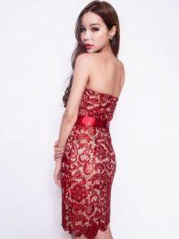 Платье из гипюра делает женщину изящнее, элегантнее, роскошнее.  Эпитеты можно подбирать бесконечно.
