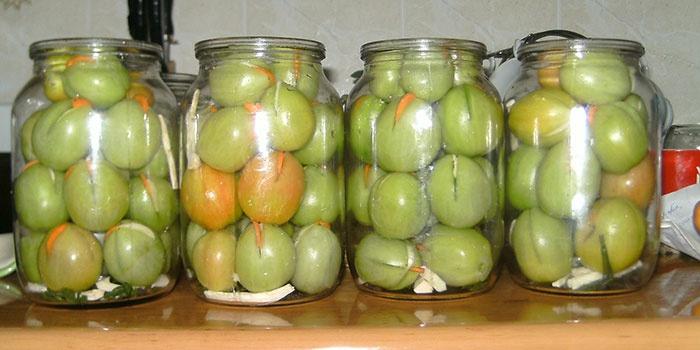 Рецепт соленых зеленых помидор на зиму