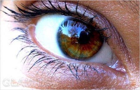 Як фарбувати карі очі