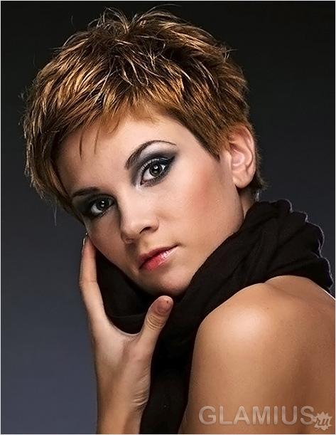 Короткие стрижки для женщин с открытыми ушами
