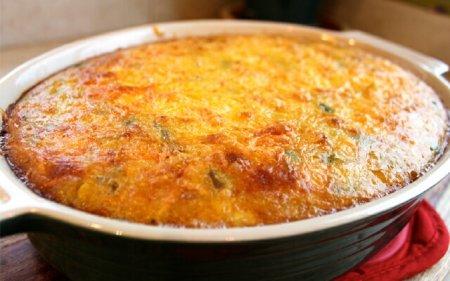 500 г сиру. .  Найкраще середньої жирності, і не рідкий.  Знадобиться.  3 яйця.  Щіпка солі.